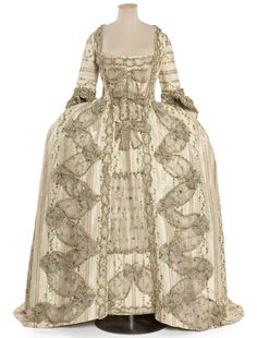Robe à la française, (circa 1775) France, Les Arts Décoratifs