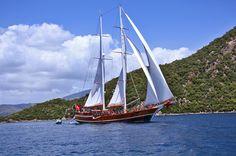 Sailing by Turkish Gulet