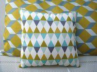 Mini coussin imprimé losanges triangles moutarde glacier anis blanc : Textiles et tapis par le-bazar-creations