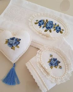 Havlu Wedding Embroidery, Embroidery Fonts, Hand Embroidery Designs, Vintage Embroidery, Embroidery Patterns, Crochet Patterns, Cross Stitch Rose, Cross Stitch Borders, Cross Stitch Patterns