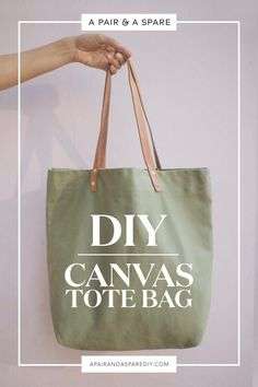 Sewing Bags Project diy-canvas-tote-bag-cover - It's time to take your farmers market game to the next level with this DIY canvas tote bag. Diy Tote Bag, Reusable Tote Bags, Mochila Tutorial, Tote Tutorial, Tote Bag Tutorials, Diy Tutorial, Bag Sewing, Fabric Bags, Fabric Basket