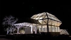 Researchers revive the dream of a martian habitat in Arizona—in miniature   Science Researchers strategy to host brand-new experiments in this pressurized, sealed greenhouse on the Biosphere 2 school in Arizona. Trent Tresch There's a story, potentially apocryphal, about a cosmonaut who carried out a plant-growing experiment aboard a Russian orbiter in the 1970s or '80s. When the cosmonaut went back to Earth, he was incredibly elusive about […] #Tech #Ariz Earth Science Projects, Latest Science News, University Of Arizona, Plant Growth, Space Travel, Space Exploration, The Martian, The Real World, Yard Landscaping