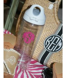 Love these Tervis Tumbler water bottles! Stylish for the gym! Get one from The Pink Monogram!