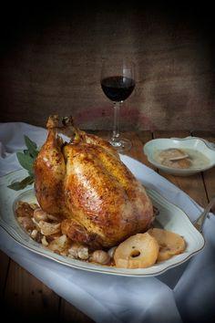 La pularda un clásico de estas fiestas Navideñas, no se trata de una raza de ave como tal, sino tan solo de una forma de criar a las hembras del pollo. Algo así como lo que ocurre con el capón. En definitiva es una gallina a la que se le impide poner huevos, de forma...Sigue leyendo