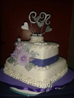 Torta corazón para boda. Con flores hechas en pasta de azúcar