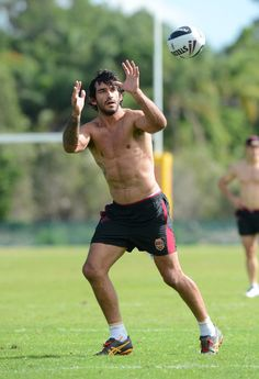 Johnathan Thurston - The Most Important NRL Players, According To Hotness. Obviously JT the hottest Hot Rugby Players, Football Players, Hairy Legs Guys, Johnathan Thurston, Australian Football, Rugby Men, Tennis Players Female, Tennis Clothes, Work Clothes