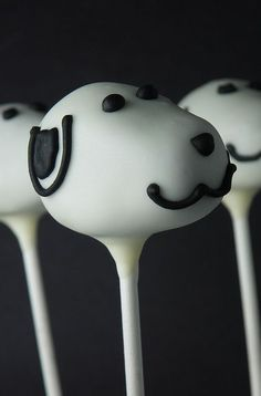 cake pop snoopy perfect for my FIL Charlie Brown