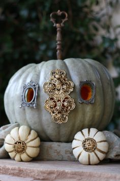 Pumpkin decorated with Jewels