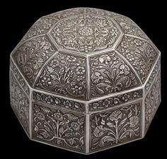 Octagonal Silver box and cover Cir 1700 India.