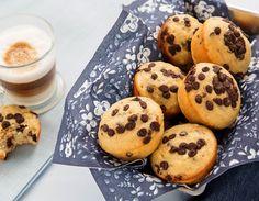 Λαχταριστά muffins με μπανάνα και σοκολάτα χωρίς βούτυρο και αλεύρι Biscotti, Nutella, A Food, Muffins, Cookies, Breakfast, Desserts, Recipes, Chicken