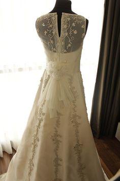 Jusi Philippine Wedding Dresses
