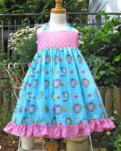 Schönes Kleid mit Spatzen und Rüschen am Saum, 100% Baumwolle. Die Stoffe werden vor der Verarbeitung bei 40 Grad vorgewaschen, so dass alle Teile...