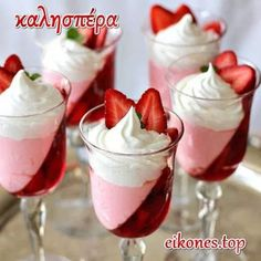 Dessert Recipes That Only Require Two Ingredients . Quick and Simple Dessert Recipes . Get drowned to these healthfully fantastic simple dessert recipes with Jello Desserts, Just Desserts, Delicious Desserts, Yummy Food, Pudding Desserts, Jello Recipes, Healthy Desserts, Fancy Desserts, Yummy Yummy