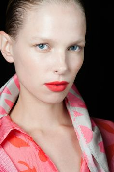 Spring 2015 Missoni Beauty Looks - coral lip
