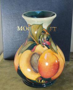 Moorcroft 6 vase M1/6 Mediterranean Peaches NMinB First Quality 2010 K Goodwin