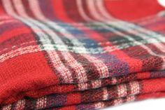 Écharpe à carreaux rouge homme et femme