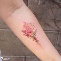 Flower Tattoos For Girls and Women: wildflower tattoo on forearm; wildflower tattoo on sleeve; floral tattoos flower tattoos for women. Flower Bouquet Tattoo, Birth Flower Tattoos, Small Flower Tattoos, Flower Tattoo Designs, Small Tattoos, Tattoo Flowers, Floral Tattoos, Flower Bouquets, Tattoo Oma