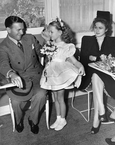 George Burns and wife Gracie Allen with their daughter Sandra circa 1940