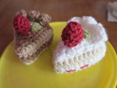 小さい編みいちごショートケーキの作り方|編み物|編み物・手芸・ソーイング|ハンドメイドカテゴリ|ハンドメイド、手作り作品の作り方ならアトリエ