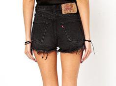 Vintage Grunge Black High Waisted Levis by SheFitzRetro on Etsy Shorts Levis, Black Levi Shorts, Hotpants Jeans, Black Denim, Black High Waisted Shorts, High Waist Jeans Shorts, Jean Shorts, Waisted Denim, Khaki Shorts