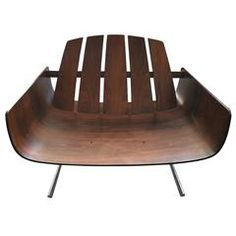 "Jorge Zalszupin ""Presidencial"" Chair"