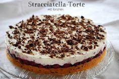 Patce's Patisserie: Stracciatella-Torte mit Kirschen