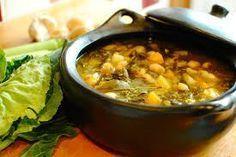 Caldo Gallego (sin carne) - Spanish Greens and Potato Soup - food to glow White Bean Soup, White Beans, Caldo Gallego Recipe, Low Calorie Recipes, Vegan Recipes, Getting Dizzy, Chorizo Tacos, Turnip Greens, Potato Soup