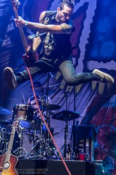 The Airborne Toxic Event Performs During 91X Bonus Holiday Show On December 6 2013