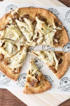 Chicken Flatbread Pizza with Apple Caramelized Onion Spread is the best easy recipe for entertainment. We made the Chicken Flatbread Pizza with the Apple Caramelized Onion Spread, price $9.99. Find this product and other recipes at Spoonabilities.com