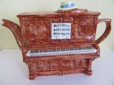 Piano theepot Swineside / de Teapottery theepot