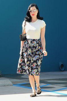 Looks of the day: Kerry Washington, Rihanna, Amber Valletta | Fashion One News
