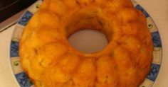 Εξαιρετική συνταγή για Μηλόπιτα-κέικ της απόλυτης τεμπέλας, η εγγυημένη. Μιά οικονομική και πολύ εύκολη συνταγή για μηλόπιτα-κεϊκ, με ελάχιστα υλικά και ωραίο αποτέλεσμα για καθημερινή απόλαυση Λίγα μυστικά ακόμα Αφήστε τη μηλόπιτα να κρυώσει λίγο πριν αναποδογυρίσετε τη φόρμα.Αντί για μήλα ή μαζί με μήλα μπορείτε να βάλετε όποια φρούτα σας αρέσουν. Εγώ φτιάχνω αυτή τη συνταγή με αχλάδια, με ροδάκινα, με βύσσινα και με συνδυασμό αυτών με ξυνόμηλα. Προσοχή όμως να μην είναι τα φρούτα που…