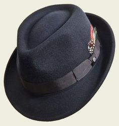 #cappello #hats #hat #accessories #classic #winter #fall #elegant #unisex #style #fashion #black #luxury #red #grey #blue #beige