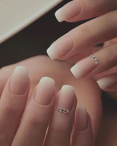 Elegant Look Bridal Nail Art Ideas Atemberaubende 40 + Elegant Look Braut Nail Art Ideen The post 40 + Elegant Look Braut Nail Art Ideen & Nails appeared first on Nail designs . Solid Color Nails, Nail Colors, Cute Acrylic Nails, Cute Nails, Classy Simple Nails, Short Nails Acrylic, Acrylic Art, Pretty Nails, Bridal Nail Art