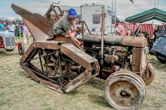 truckingworldwide: Fordson trenching tractor with Rotopad tracks