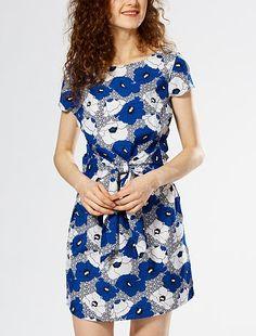 Robe housse imprimée à nouer à l'avant Femme à 20,00€ - Découvrez nos collections mode à petits prix dans notre rayon Robe courte.