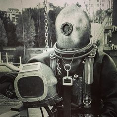 An assignment from from Ayaka Diving Helmet, Diving Suit, Scuba Diving, Japan Beach, Japan Country, Hard Men, Visit Japan, Underwater World, Japan Fashion