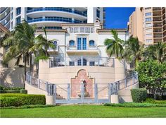 Townhouse For Sale, 5959 Collins Av # V3006, MLS: A1640804 Miami Beach, Townhouse, Mansions, House Styles, Home Decor, Decoration Home, Terraced House, Manor Houses, Room Decor