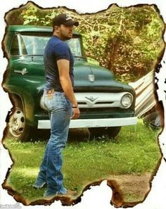 Jason...omg so sexy!!!! Looks good in wranglers