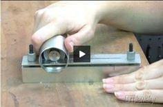 Video: How to Use a Jump ring Maker - Attrezzo per realizzare gli anelli di giunzione