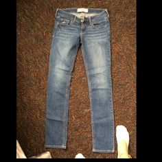 Hollister jeans Gently used. MAKE AN OFFER  Hollister Jeans Straight Leg