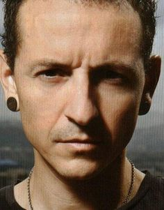 Chester is such a man Charles Bennington, Chester Bennington, Film Games, Linkin Park Chester, Mike Shinoda, Him Band, Music Film, In Loving Memory, Music Love