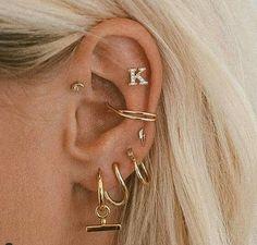Ear Jewelry, Cute Jewelry, Body Jewelry, Jewelery, Jewelry Accessories, Pretty Ear Piercings, Ear Peircings, Accesorios Casual, Delicate Jewelry