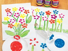 Dip and dab a colorful garden using recycled materials! Spring Activities, Free Activities, Creative Activities, Spring Crafts For Kids, Art For Kids, Color Crafts, Fun Crafts, Toddler Crafts, Preschool Activities