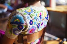 Marvelous Crewel Embroidery Long Short Soft Shading In Colors Ideas. Enchanting Crewel Embroidery Long Short Soft Shading In Colors Ideas. Fashion Mode, Diy Fashion, Fashion Clothes, Fashion Ideas, Fashion Tips, Textiles, Creation Couture, Crewel Embroidery, Sweater Embroidery