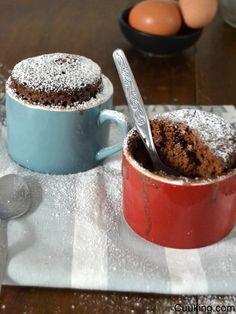 Mug cake de ColaCao o bizcocho en taza al microondas (Ahora con Videoreceta!) | Cuuking!