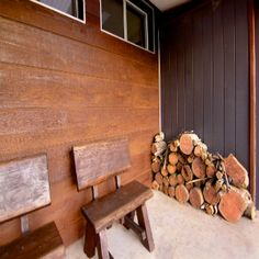 Selflok Ecogroove 300 Natural Woodsman and Weathergroove Smooth - contrast External Wall Cladding, Small Beach Cottages, Cladding Design, Cladding Materials, Rustic Feel, Building Materials, Firewood, Exterior, Nature