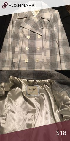 Juniors  Med Old Navy Never worn Jacket Old Navy Polyester coat size medium from A non-smoking house never been worn before is super cute. Old Navy Jackets & Coats