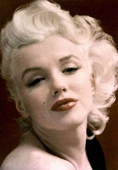 Marilyn Monroe and the Camera: бесконечный материал. Joven Marilyn Monroe, Estilo Marilyn Monroe, Marilyn Monroe Artwork, Norma Jean Marilyn Monroe, Viejo Hollywood, Old Hollywood, Hollywood Actresses, Angelina Jolie Makeup, Divas