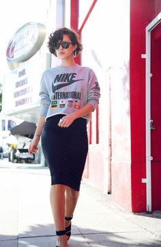 Sweatshirt and pencil skirt - I dream of outfits like this!!!